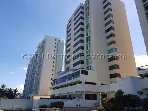 Apartamento En Ventaen Catia La Mar, Playa Grande, Venezuela, VE RAH: 22-2505
