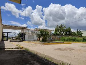 Terreno En Ventaen Santa Cruz De Aragua, Residencias Santa Cruz, Venezuela, VE RAH: 22-2493