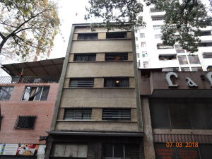 Edificio En Ventaen Caracas, Parroquia Santa Rosalia, Venezuela, VE RAH: 22-2527