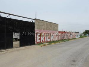 Terreno En Ventaen Santa Cruz De Aragua, Zona Centro, Venezuela, VE RAH: 22-2545