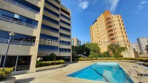 Apartamento En Ventaen Catia La Mar, Playa Grande, Venezuela, VE RAH: 22-2796