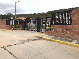 Casa En Ventaen Municipio San Diego, Lomas De La Hacienda, Venezuela, VE RAH: 22-2661