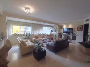 Apartamento En Ventaen Maracaibo, La Lago, Venezuela, VE RAH: 22-2706