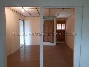 Local Comercial En Alquileren Ciudad Ojeda, Plaza Alonso, Venezuela, VE RAH: 22-2772