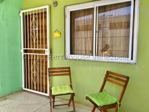 Casa En Ventaen Punto Fijo, Antiguo Aeropuerto, Venezuela, VE RAH: 22-2771