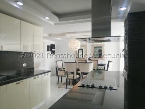 Apartamento En Ventaen Maracaibo, Avenida El Milagro, Venezuela, VE RAH: 22-2777