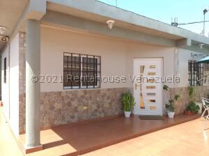 Casa En Ventaen Punto Fijo, San Rafael, Venezuela, VE RAH: 22-2803