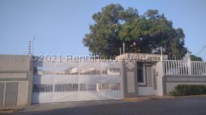 Townhouse En Ventaen Maracaibo, Las Lomas, Venezuela, VE RAH: 22-2833