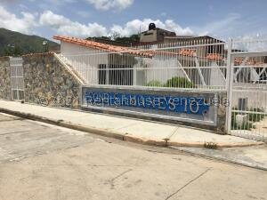 Casa En Ventaen Municipio San Diego, Lomas De La Hacienda, Venezuela, VE RAH: 22-2841