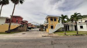 Casa En Ventaen Municipio Naguanagua, Piedra Pintada, Venezuela, VE RAH: 22-2900
