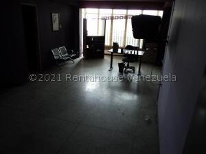 Oficina En Ventaen Guarenas, Guarenas, Venezuela, VE RAH: 22-2917