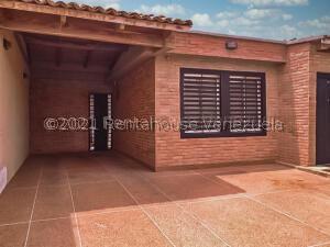 Casa En Ventaen Punto Fijo, Pedro Manuel Arcaya, Venezuela, VE RAH: 22-2915