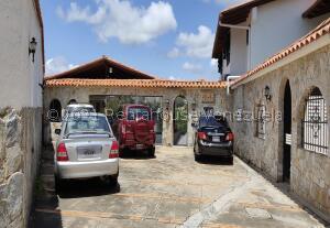 Casa En Ventaen Caracas, Los Naranjos Del Cafetal, Venezuela, VE RAH: 22-2941
