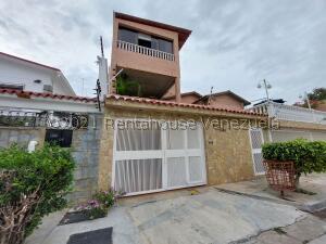 Casa En Ventaen Caracas, Vista Alegre, Venezuela, VE RAH: 22-3513