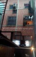 Apartamento En Ventaen Guatire, El Marques, Venezuela, VE RAH: 22-2953