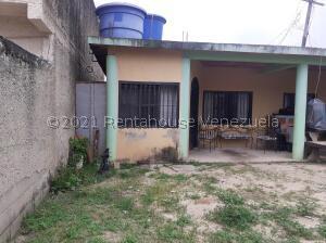 Terreno En Ventaen Municipio San Diego, Los Tamarindos, Venezuela, VE RAH: 22-3037