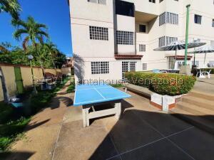 Apartamento En Ventaen Higuerote, La Costanera, Venezuela, VE RAH: 22-3396