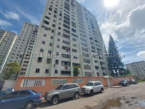 Apartamento En Ventaen Caracas, Caricuao, Venezuela, VE RAH: 22-3038