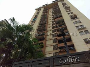 Apartamento En Ventaen Maracay, Urbanizacion El Centro, Venezuela, VE RAH: 21-26251