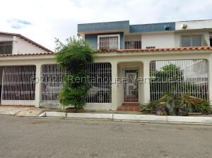 Casa En Ventaen Barquisimeto, Club Hipico Las Trinitarias, Venezuela, VE RAH: 22-3090