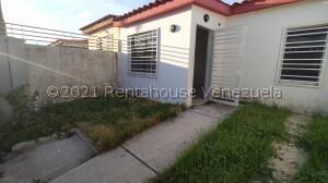 Casa En Ventaen Cabudare, El Amanecer, Venezuela, VE RAH: 22-3095