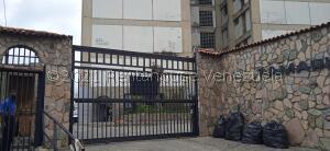Apartamento En Ventaen Los Teques, Los Teques, Venezuela, VE RAH: 22-3102