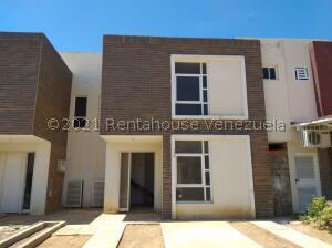 Townhouse En Ventaen Punto Fijo, El Cardon, Venezuela, VE RAH: 22-3107