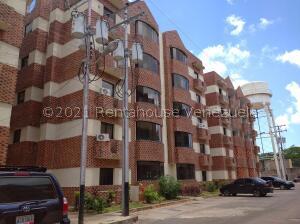 Apartamento En Ventaen Ciudad Bolivar, Av La Paragua, Venezuela, VE RAH: 22-3122