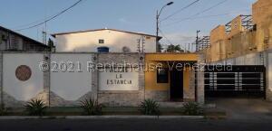 Townhouse En Ventaen Ciudad Bolivar, Av San Vicente De Paúl, Venezuela, VE RAH: 22-3163
