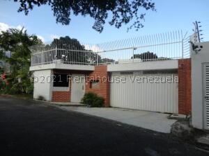 Casa En Alquileren Caracas, Valle Arriba, Venezuela, VE RAH: 22-7260