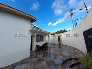 Casa En Ventaen Valencia, Trigal Norte, Venezuela, VE RAH: 22-3207