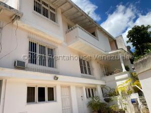 Casa En Ventaen Caracas, Santa Sofia, Venezuela, VE RAH: 22-3242