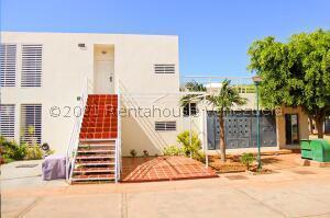 Apartamento En Ventaen Maracaibo, Avenida Goajira, Venezuela, VE RAH: 22-3244