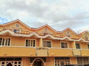 Townhouse En Ventaen Maracaibo, Avenida Milagro Norte, Venezuela, VE RAH: 22-3268