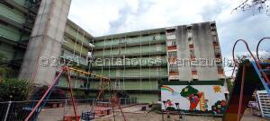 Apartamento En Ventaen Maracay, Parque Aragua, Venezuela, VE RAH: 22-3283