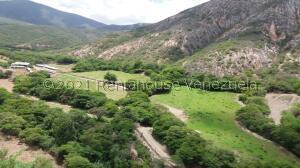 Terreno En Ventaen Tocuyo, Municipio Moran, Venezuela, VE RAH: 22-3258