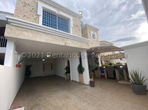 Casa En Ventaen Maracaibo, Lago Mar Beach, Venezuela, VE RAH: 22-3308