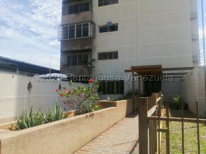 Apartamento En Ventaen Maracaibo, Las Delicias, Venezuela, VE RAH: 22-3332