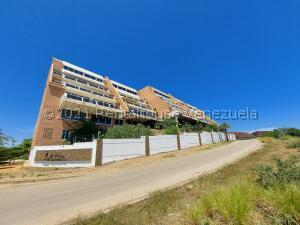Apartamento En Ventaen Margarita, Pampatar, Venezuela, VE RAH: 22-3349