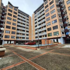 Apartamento En Ventaen Valencia, Agua Blanca, Venezuela, VE RAH: 22-3409