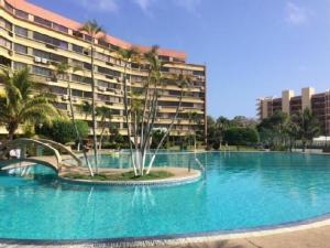 Apartamento En Ventaen Higuerote, Higuerote, Venezuela, VE RAH: 22-3356
