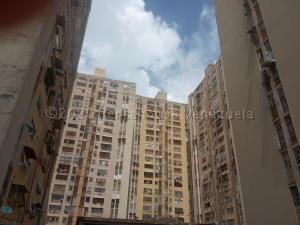 Apartamento En Ventaen Los Teques, Los Teques, Venezuela, VE RAH: 22-3358
