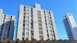 Apartamento En Ventaen Maracaibo, Pueblo Nuevo, Venezuela, VE RAH: 22-3423