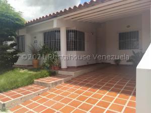 Casa En Ventaen Cabudare, Parroquia José Gregorio, Venezuela, VE RAH: 22-3436