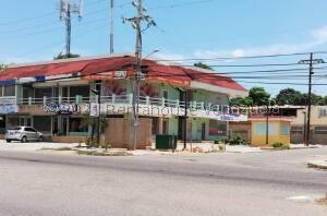Local Comercial En Alquileren Maracaibo, Avenida Milagro Norte, Venezuela, VE RAH: 22-3435