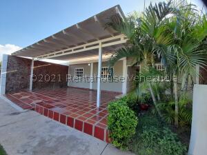 Casa En Ventaen Coro, Centro, Venezuela, VE RAH: 22-3445