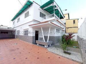 Casa En Ventaen Maracay, La Coromoto, Venezuela, VE RAH: 22-3454
