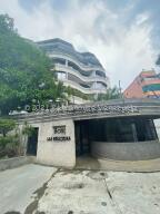 Apartamento En Ventaen Caracas, Los Naranjos De Las Mercedes, Venezuela, VE RAH: 22-3458