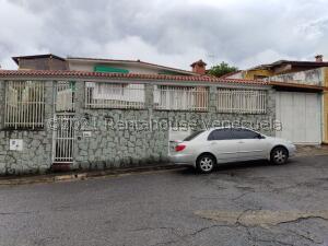 Casa En Ventaen San Antonio De Los Altos, Parque El Retiro, Venezuela, VE RAH: 22-3504