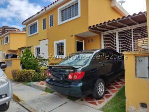 Townhouse En Ventaen Guatire, Vista Dorada, Venezuela, VE RAH: 22-3506